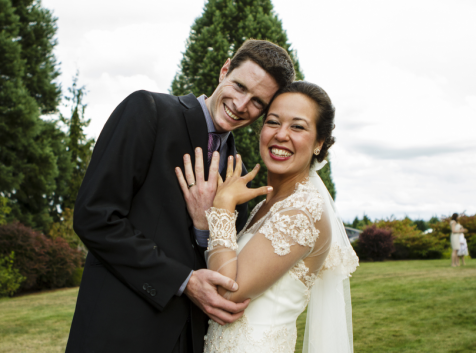 Couple getting married at Wonser Woods Estate